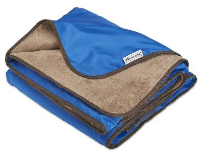 Lightspeed Outdoors XL Plush Fleece Outdoor Stadium Rainproof and Windproof Picnic Blanket
