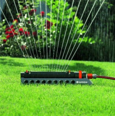 GARDENA 1973 Aquazoom 2700-Square Foot Oscillating Sprinkler with Fully Adjustable